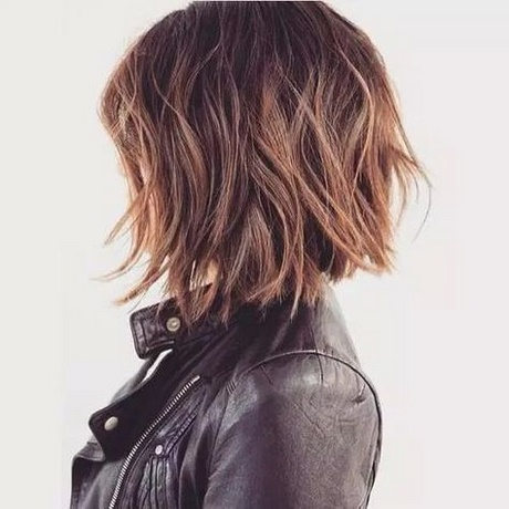 Coupe tendance 2018 cheveux mi long for Coupe cheveux tendance 2018