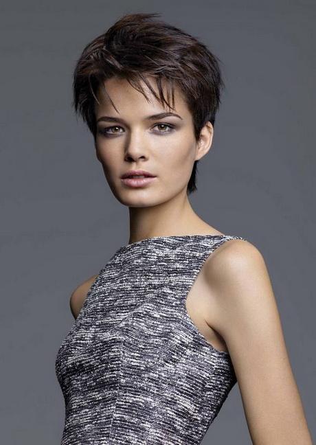 Coupe courte de cheveux femme 2016