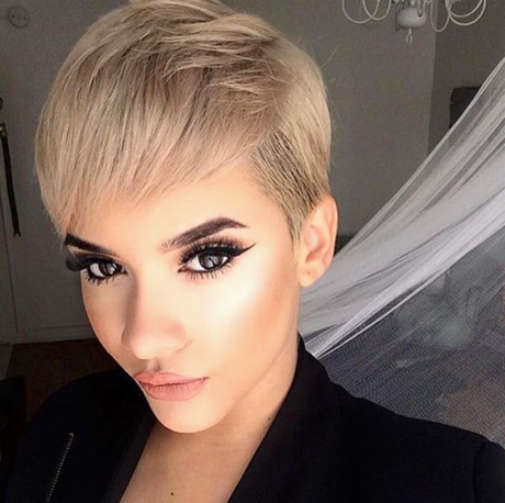 Coupe ultra courte femme 2018