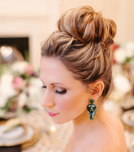 chignon-haut-simple-40_14 Chignon haut simple