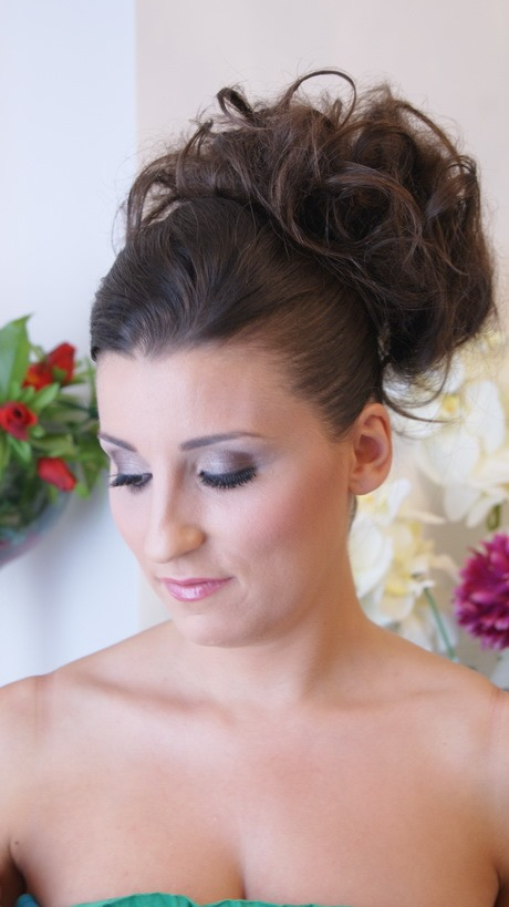 chignon-haut-simple-40_2 Chignon haut simple