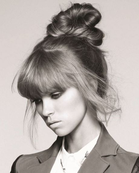 chignon-haut-simple-40_7 Chignon haut simple