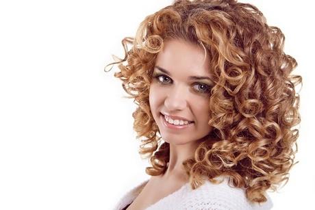 Coiffure visage rond cheveux boucl s - Visage rond coiffure ideale ...