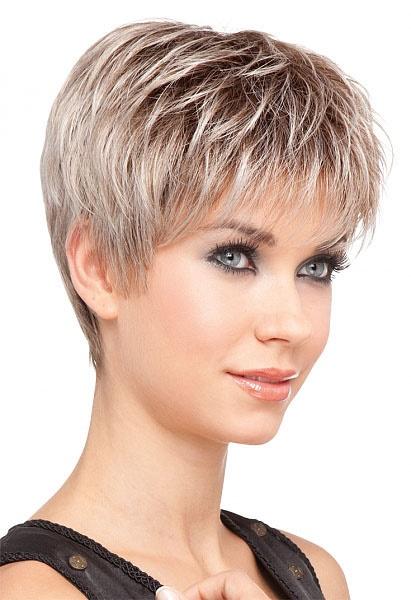 Coupe cheveux femme dégradé effilé court