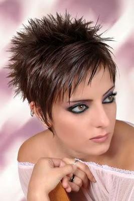 Coupe tres courte femme visage rond - Modele de coupe courte pour visage rond ...