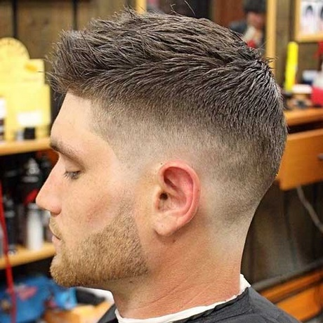Couper cheveux homme a la tondeuse