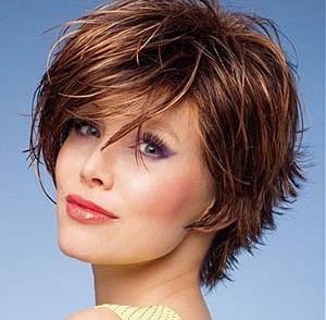 coiffure courte femme 65 ans