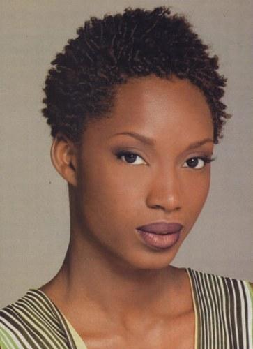 Coupe de cheveux crepus court femme