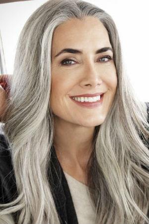 Coupe de cheveux pour femme de 55 ans