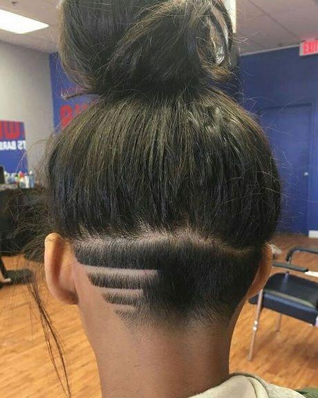 Coupe courte femme rasé derriere
