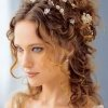Coiffure mariage cheveux boucles