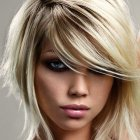 Coupe de cheveux femme mi long original