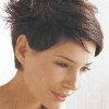 Style coiffure cheveux courts