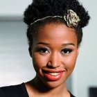 Coiffure cheveux afro court