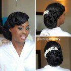 Coiffure chignon mariage africain