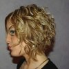 Coupe carre degrade cheveux frises