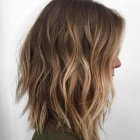 Coupe cheveux demi long