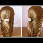 Belle coiffure simple cheveux long