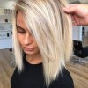 Coupe blonde carré