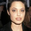 Angelina jolie cheveux courts