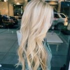 Cheveux long blond