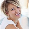 Coupe courte meche blonde