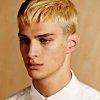 Coupe homme blond court