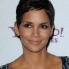 Halle berry coupe courte